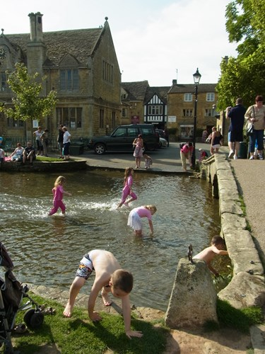 Bourton-on-the-Water41