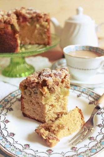 Rhubarb Crumble Cake2